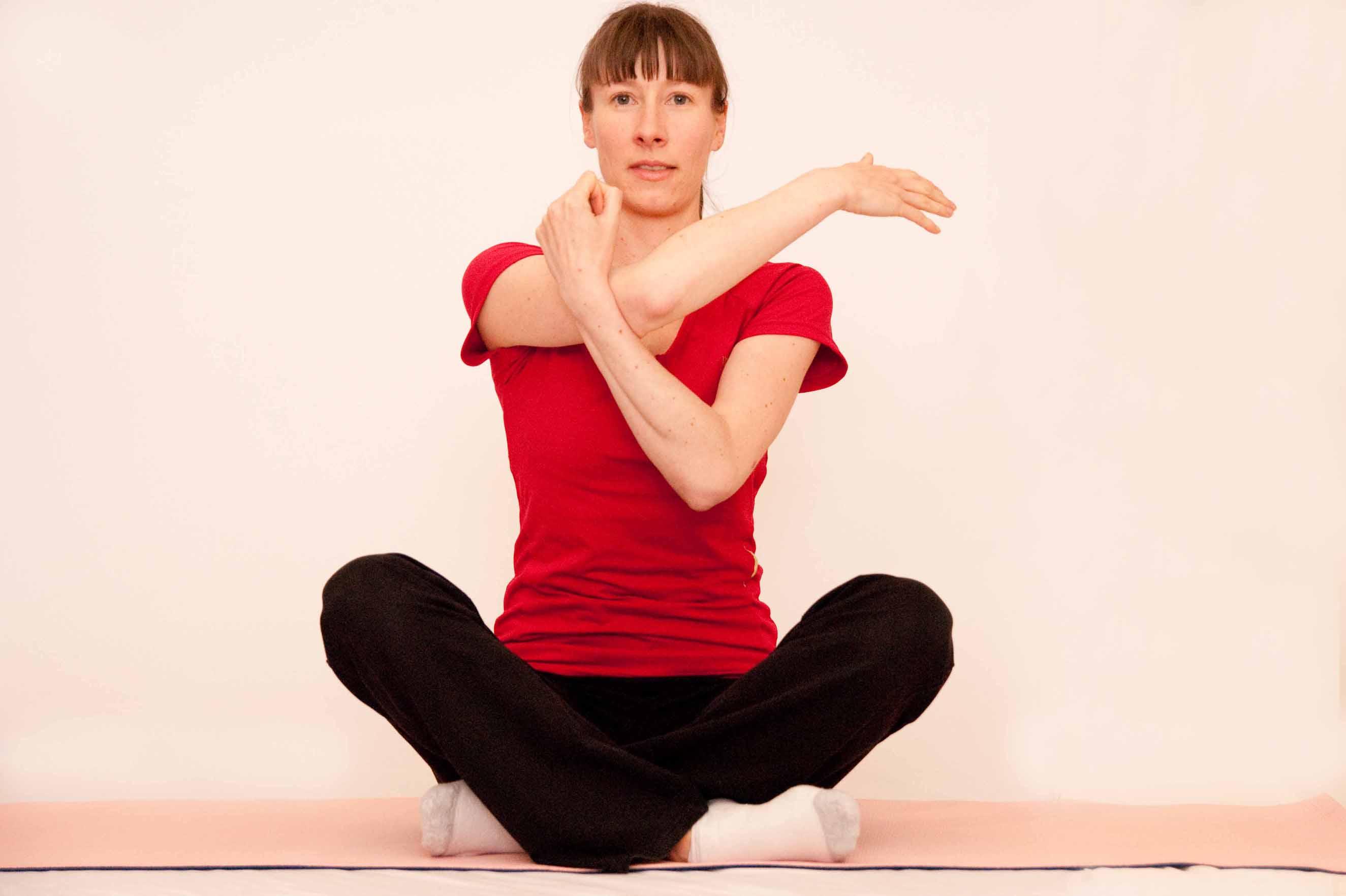How to Stretch Rhomboids How to Stretch Rhomboids new foto